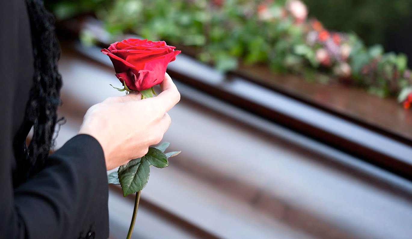 What to preach at a funeral? | Psephizo