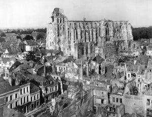1024px-Ruins_Cathedral_of_St._Quentin2