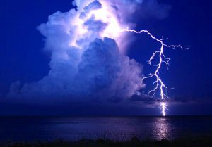 cloud-ground-lightning13_20849_990x742